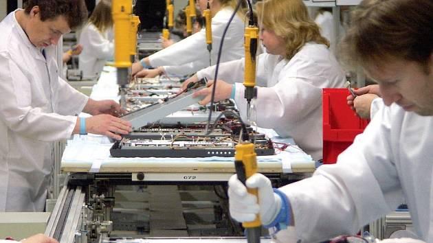 Na padesát tisíc kusů LCD monitorů bude během několika týdnů zvýšena kapacita nové výrobní linky v hranické továrně na obrazovky Multidisplay.