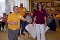 Turnaj v šipkách s názvem Správná trefa v hranickém Domově seniorů