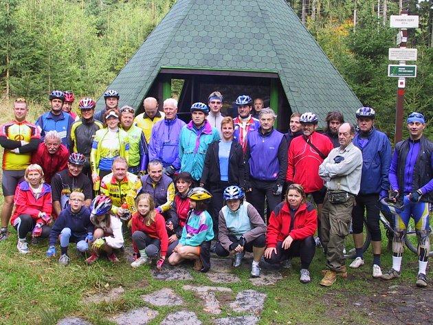 Cyklotrasy v okolí Lipníka nad Bečvou byly uvedeny oficiálně do provozu a předány turistické veřejnosti cyklovyjížďkou k prameni Odry, které se účastnilo téměř 40 cyklistů.