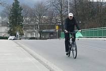 Příznivé počasí přimělo spoustu obyvatel Hranicka k projížďce na kole už v únoru.