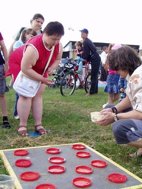 Spoustu her a soutěží bylo připřaveno pro děti na drahotušském letišti.