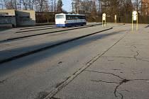 Chátrající autobusové a vlakové nádraží v Hranicích