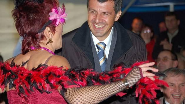 Vysazením památné lípy a pestrým kulturním programem pro starosty všech třinácti obcí, které se probojovaly do nejužšího finále celorepublikové soutěže Vesnice roku, oslavili v pátek 23. října v Tučíně u Přerova.