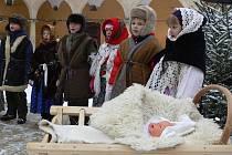Vánoční atmosférou ožil v neděli 20. prosince zámek v městysu Hustopeče nad Bečvou.