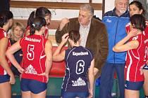 Vlado Sirvoň, kouč, který mohl v Přerově pozvednout volejbal na vyšší úroveň, odešel. Nenašel s vedením PVK stejnou řeč a jeho působení v klubu skončilo.