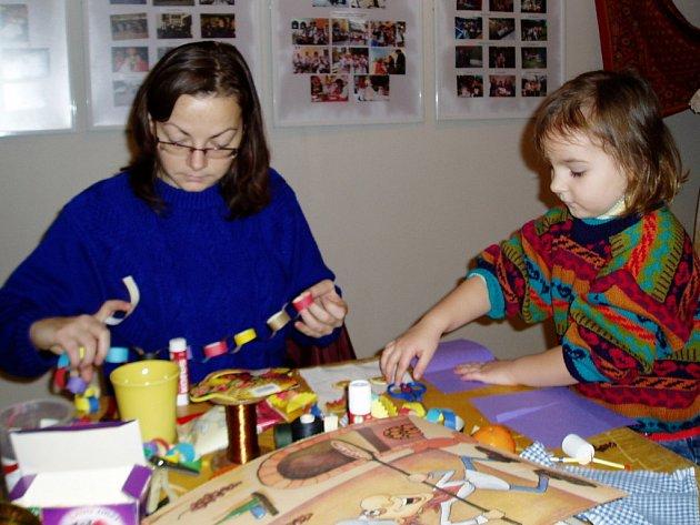 Výstavu, která seznamuje s lidovými tradicemi, uspořádalo nejmladší sdružení založené v Přerově s názvem Cukrle.