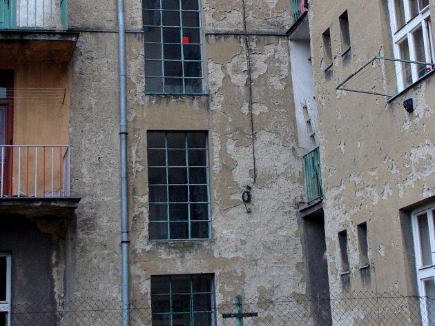 S protestem proti podmínkám prodeje bytů nájemníkům začali jako první lidé z Jižní čtvrti a později se k nim připojili také nájemníci z ulic Na Odpoledni, Mervartova, Za mlýnem, Sokolská nebo Jilemnického.