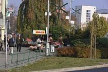 Vánoční dekorace na veřejném osvětlení v Hranicích