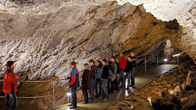 Zbrašovské aragonitové jeskyně. Výprava v Jurikově dómu.
