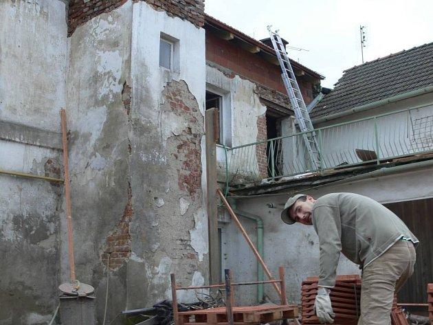 Elim získal peníze na střechu a vnitřní stropy budoucího azylového domu v Drahotuších.