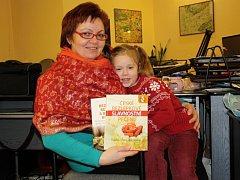 Autorka kuchařek pro bezlepkovou dietu Hana Šimková s dcerou Terezkou.