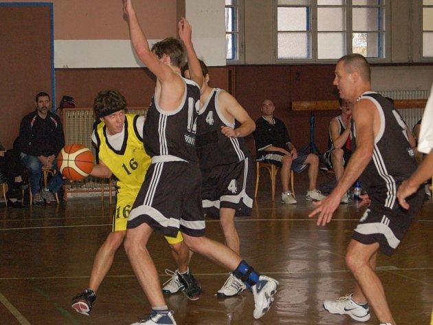 Michal Fašánek nastřílel proti Českému Těšínu v poslední čtvrtině úctyhodných 15 bodů, ale přesto to na vítězství proti poslednímu celku soutěže nestačilo.