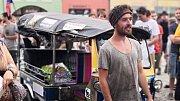 Tomíka po návratu z cest vítaly na hranickém náměstí davy lidí