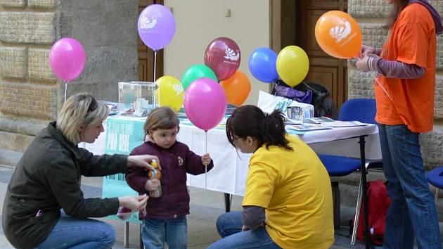 Velikonoční sbírku v Hranicích zorganizovala společnost Adra.