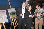 Hranická malířka Marta Tomancová vystavuje od 2. listopadu v divadle Stará střelnice soubor obrazů s názevm Krajina.