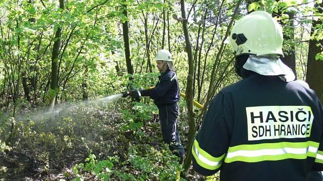 Dobrovolní hasiči z Hranic v akci. Ilustrační foto