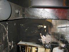 Požár kuchyně v domě v Šumicích.