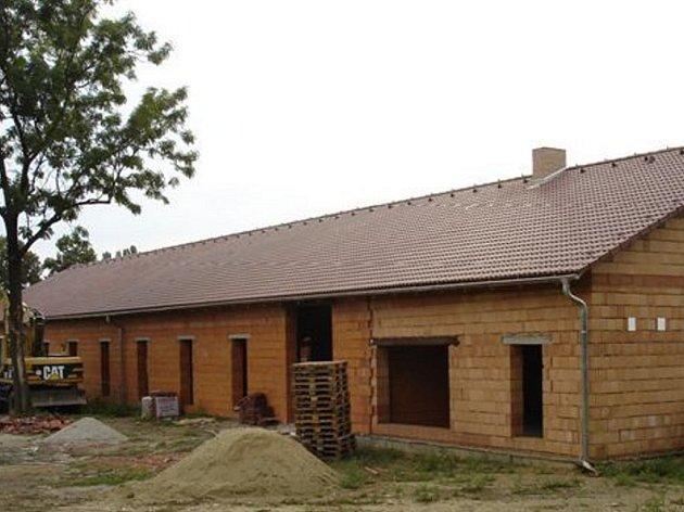 Nadšenec z Mostkovic zatím stavbu muzea financuje z vlastních příjmů.
