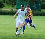 Fotbalisté Ústí (v bílém) v přípravném utkání proti FK Kozlovice. Tomáš Orava.