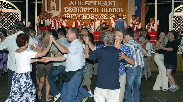 Příznivci dechové hudby se letos do Dřevohostic sjedou už počtrnácté.