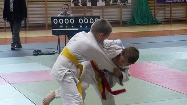 David Šatánek nastupuje v zápase chvat uči mata.