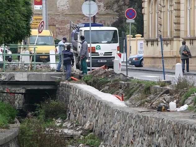 Oprava ulice.