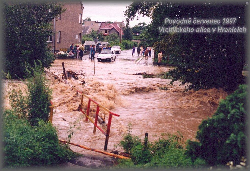 Povodeň v červenci 1997 napáchala ohromné škody v Hranicích a řadě dalších obcí.