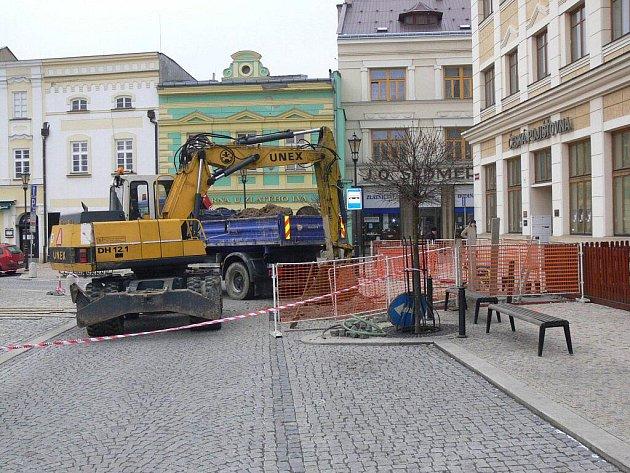 Oprava kanalizace na Mazarykově náměstí v Hranicích