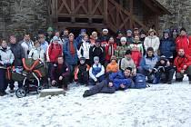 Novoročního čtyřiadvacátého ročníku výšlapu na Helfštýn se zúčastnilo více než čtyřicet turistů.