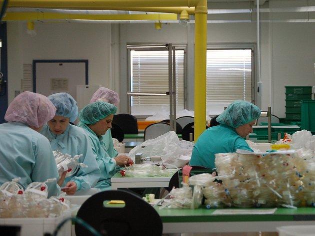 Společnost Gambro-Meopta se zabývá výrobou dialyzačních setů pro zdravotnictví.