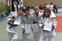 Tito čtyři bojovníci získali tituly.