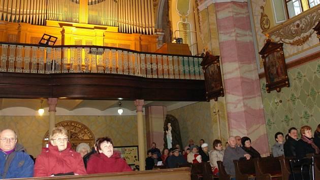 K většímu zájmu o návštěvy kostelů přispívají také adventní koncerty.