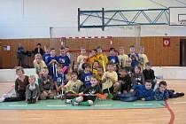 Děti z florbalové přípravky hrály v sobotu listopadovém turnaji.