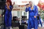 Den srdce v Lázních Teplice nad Bečvou přinesl bohatý program. Na terase lázeňského sanatoria Bečva se představila revivalová skupina ABBA Radka Kňury, taneční skupina Oldies a klaun Hopsalín.