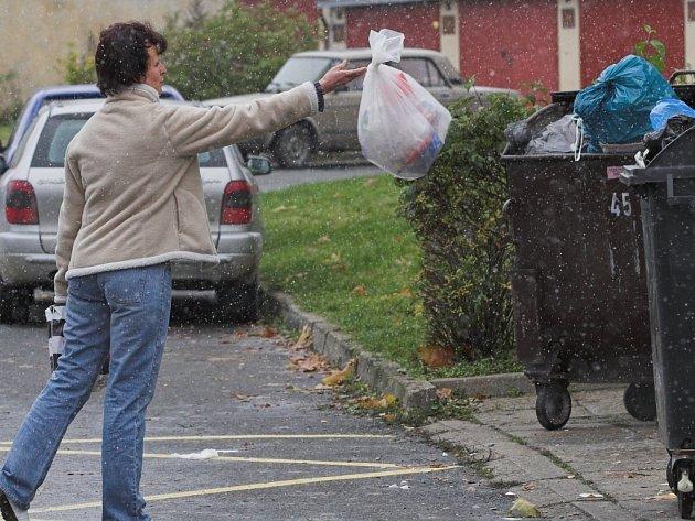 Cena za komunální odpad je různá město od města...