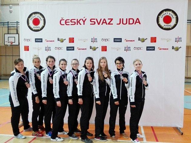 Ženy získaly bronz na MČR