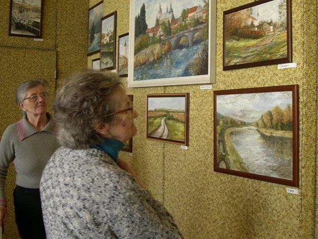 Seniorům se krajinky Hranic a okolí líbily.