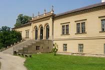Zámek v Čechách pod Kosířem je otevřený denně kromě pondělí.