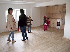 Prohlídka nových bytových jednotek v Bělotíně vzbudila velký zájem