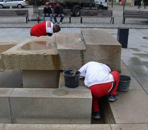 Oprava kašny na Masarykově náměstí vHranicích