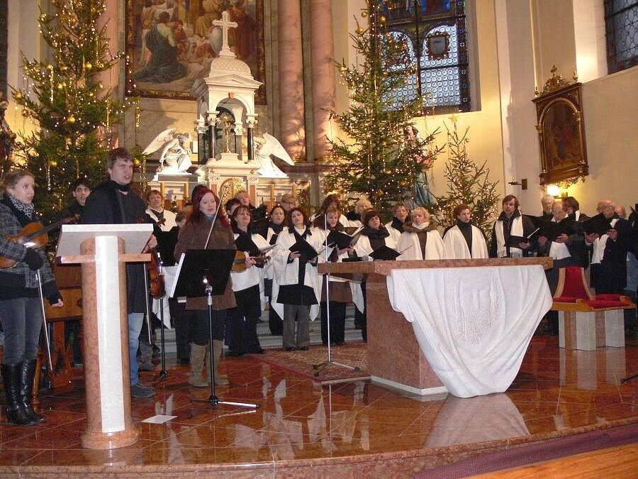 """Vánoční koncert """"Nad horama vyšla hvězda"""" v Hustopečích nad Bečvou"""