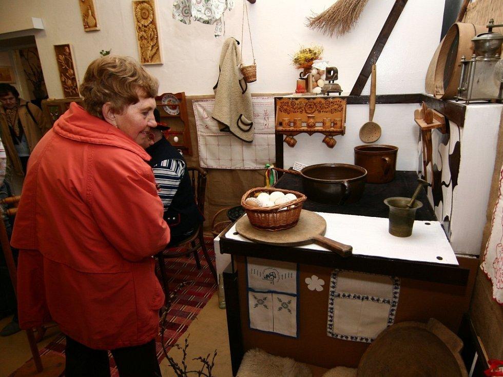 Již dvanáctý ročník tradiční velikonoční výstavy byl zahájen v hranické Galerii M+M v pátek 29. února 2008.