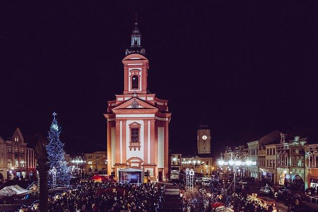 Vánoční jarmark na Masarykově náměstí vHranicích vroce 2016