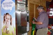 Automat na mléko v Hranicích