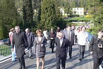 Slavnostní otevření lávky přes Bečvu v Teplicích