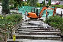 Oprava schodiště na Šromotovo náměstí v Hranicích