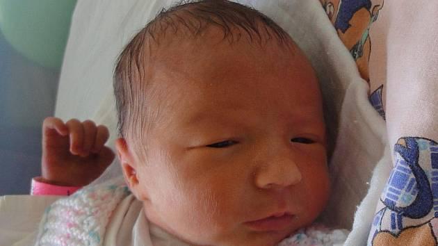 Klára Machačová, Býškovice, narozena 18. července v Olomouci, míra 47 cm, váha 2 330 g