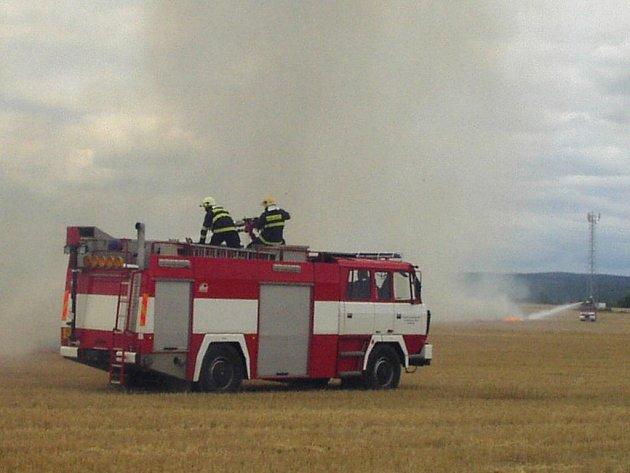 Většina požárů vzniká nesprávnou manipulací s ohněm nebo kvůli závadě na technice.
