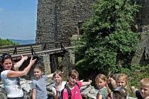 Setkání u finalistky ankety Strom roku 2014 z Olomouckého kraje – plané hrušně na hradě Helfštýně. Hrušeň roste přímo před vstupem do hradu a její příběh je podle pověsti spojený s příběhem zdejšího rodu Ludanických. Strom navrhli žáci zdejší školy.