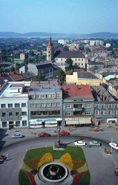 Náměstí vHranicích rok 1977.